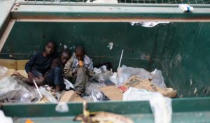 Straßenkinder in Nairobi