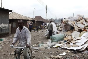 Viele Kenianer leben in solchen Elendsvierteln. (Quelle: Frank Rothe)