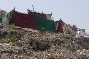Slum neben einer Müllhalde. (Quelle: Josephine Herschel)